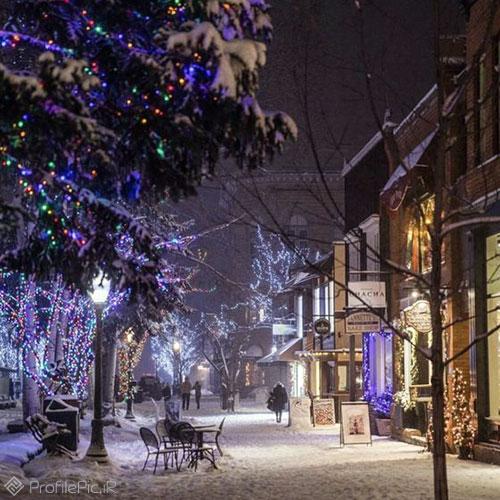 منظره برفی در شب