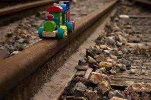 نمایی از قطار اسباب بازی