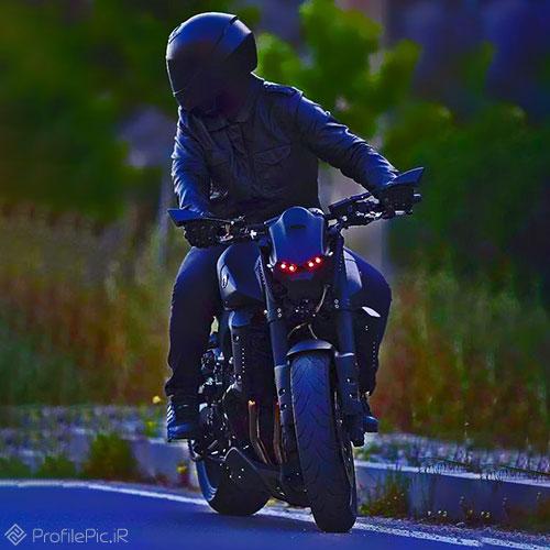 عکس موتور بازا برای پروفایل